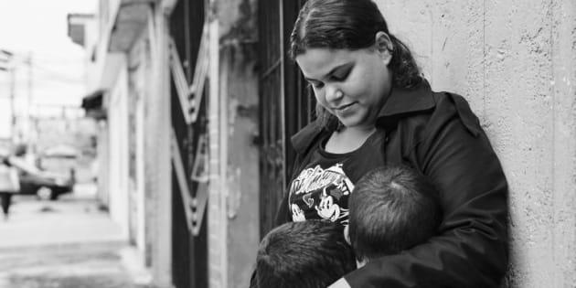 """Em carta à ministra Rosa Weber, Rebeca Mendes afirma que ao descobrir gravidez sentiu um """"abismo se abrindo e me sugando cada vez mais para baixo""""."""