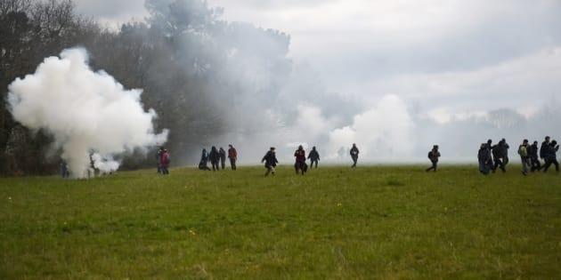 Les gendarmes reprennent les opérations d'expulsion à Notre-Dame-des-Landes