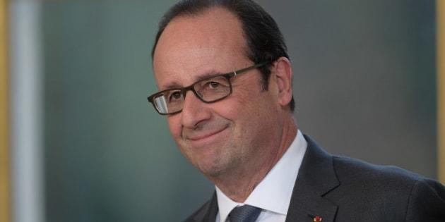 La cote de popularité de François Hollande continue de monter