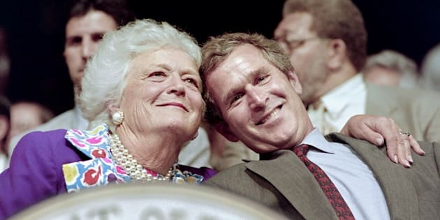 Barbara Bush et son fils George W. Bush à Houston en 1992.