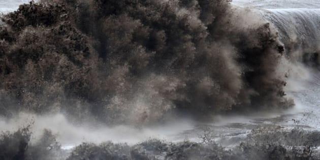 La tempête tropicale Fakir fait au moins deux morts à La Réunion