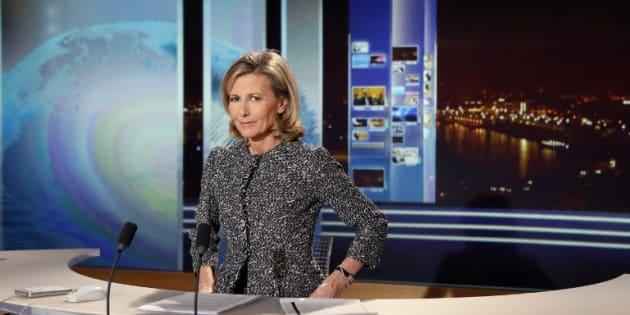 L'étude de l'INA, qui couvre 700.000 heures de programmes, pointe une nette inégalité entre le temps de parole des hommes et des femmes. (photo d'illustration de Claire Chazal, alors présentatrice du JT de TF1 en 2013)