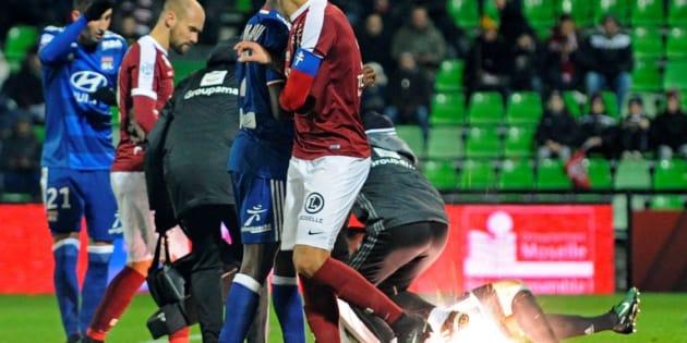 Lourde sanction pour le FC Metz après les jets de pétards sur Anthony Lopes contre Lyon