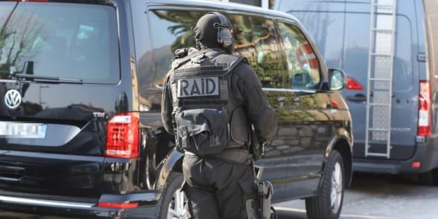 """Le suspect de la fusillade de Grasse voulait tuer """"8 à 14 personnes"""" """"par ressentiment"""""""