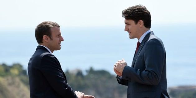 Les  photos de Justin Trudeau et Emmanuel Macron au G7 ont fait rêver les plus sentimentaux
