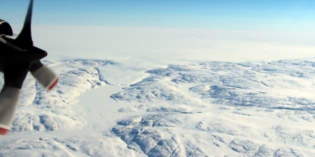 Le cratère en question, découvert au Groenland par la NASA, est sous une couche de glace.