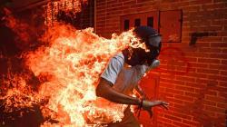 Ce cliché pris pendant les affrontements au Venezuela a reçu le premier prix au World Press