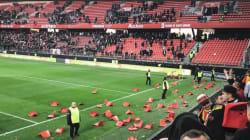 Vaincus contre Valenciennes, des supporters de Lens jettent leurs sièges sur la