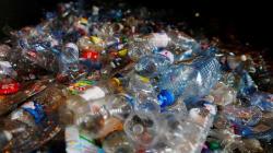 Le gouvernement veut s'attaquer au plastique via