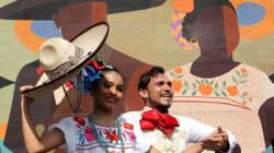 Guadalajara rompe récord Guiness por mosaico hecho con chaquiras más grande del
