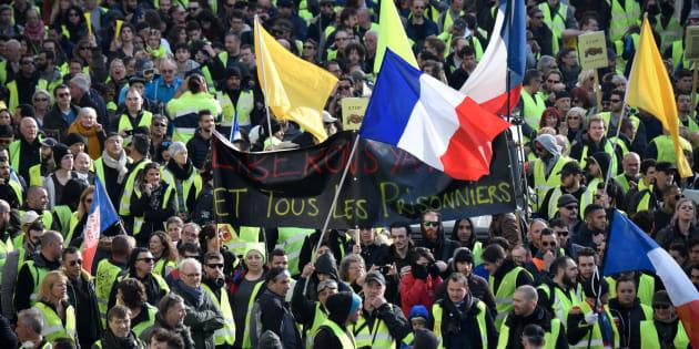 Des gilets jaunes manifestant à Marseille le 9 février 2019.