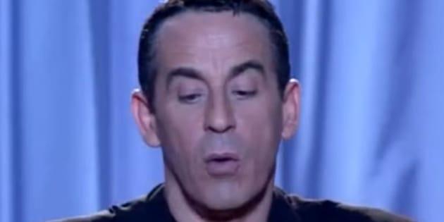 """Thierry Ardisson présentant """"Tout le monde en parle"""" dans les années 2000."""