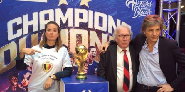 L'humoriste belge Charline Vanhoenacker a pris un malin plaisir à poser à côté de la Coupe de Monde avec ce t-shirt pro-belge.