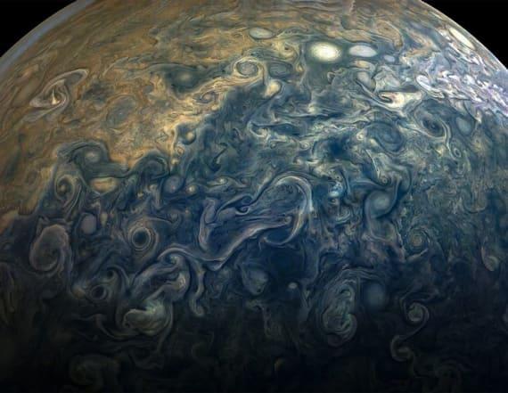 NASA probe sends back gorgeous new photos of Jupiter