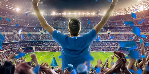 Nous avons encore une chance de sauver le football de la haine, du racisme et de l'homophobie.