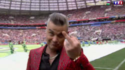 Robbie Williams Flips The Bird During Divisive World Cup Opening Ceremony