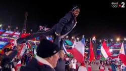 Cette athlète a volé la vedette à Gabriella Papadakis durant la cérémonie de clôture des