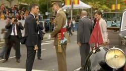Pitos y abucheos a Pedro Sánchez a su llegada al desfile del 12 de