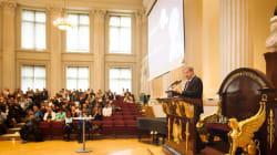 大統領も卒業式に!ヘルシンキ大学の「無料AI教育」が目指すもの