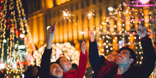 Contrairement à ce qu'on pourrait penser, les études indiquent que la fréquence des crises émotionnelles, des idéations et tentatives suicidaires sont moins fréquentes durant la période de Noël.