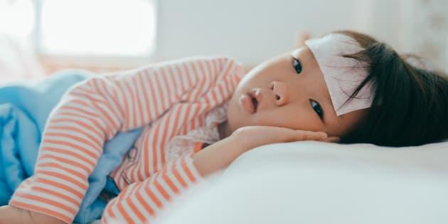 Les enfants sont contagieux plus longtemps que les adultes.