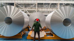Les États-Unis lèvent le sursis de taxes sur l'acier et l'aluminium du