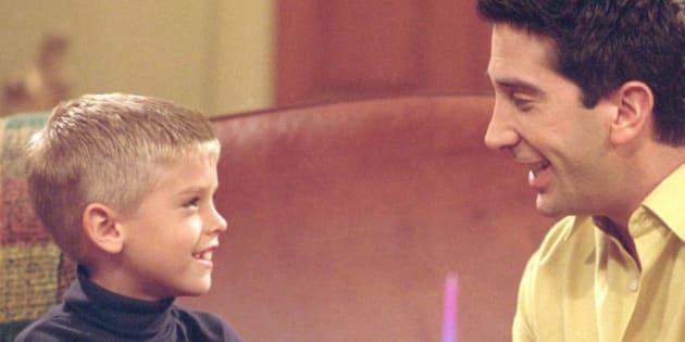 "Ben et Ross Geller dans un épisode de ""Friends""."