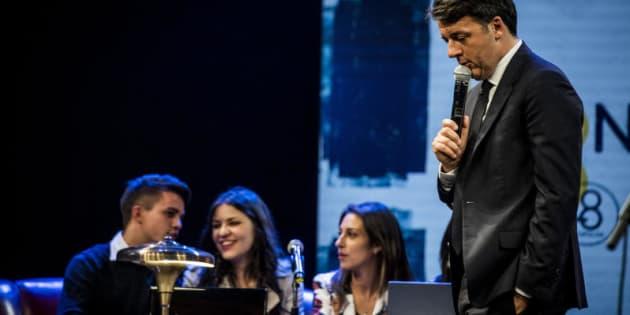 24/11/2017 Firenze, Matteo Renzi inaugura la Leopolda 8. Nella foto Matteo Renzi con i Millenial