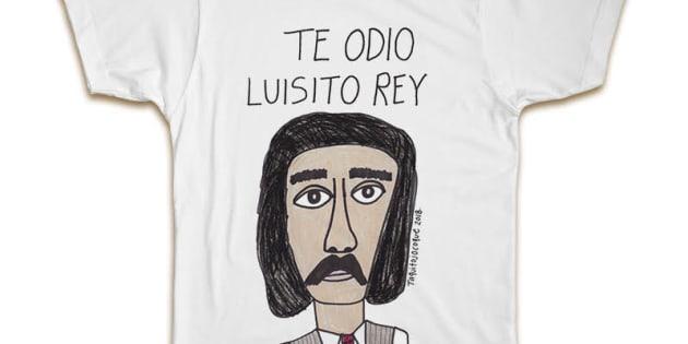 La playera hecha en México que representa el sentimiento de muchos hacia Luisito Rey.