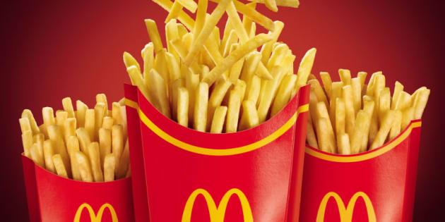 """versão """"mega"""" é maior que a opção """"grande"""", que tem cerca de 192 gramas de batatas fritas."""