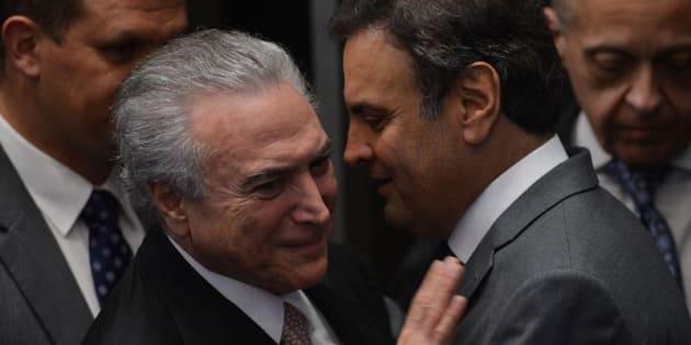 Principal aliado do governo de Michel Temer, PSDB não quer se contaminar com denúncias, mas precisa de apoio em 2018.