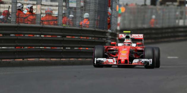 Ferrari: Vettel al settimo cielo, Kimi scuro in volto