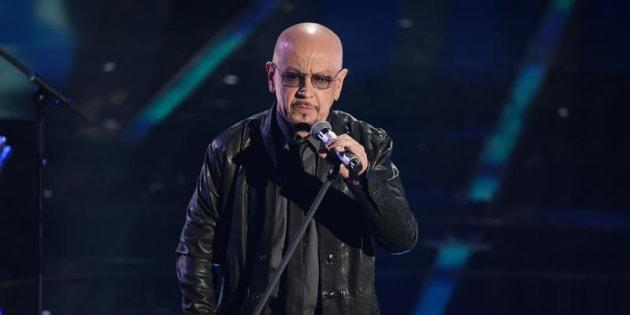 Enrico Ruggeri ferma i concerti: