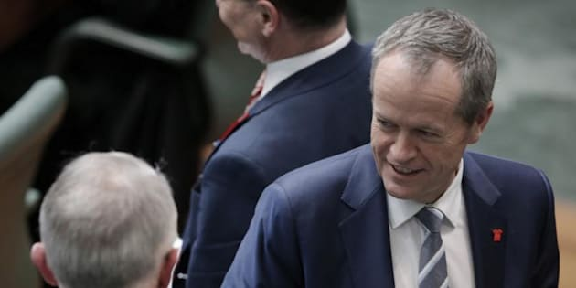 Prime Minister Malcolm Turnbull and Opposition Leader Bill Shorten are in a stand off over the proposed lifetime ban for boat refugees.