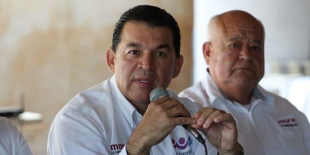 Rubén Muñoz Álvarez firmó (una carta compromiso) ante el Frente Ciudadano en Defensa del Agua y la Vida por el no a la minería.