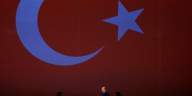 El presidente turco Recep Tayyip Erdogan se dirige al atril para dar su discurso en el 22º Congreso Mundial del Petróleo, el pasado 10 de julio en Estambul.