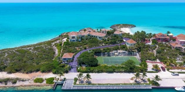 La résidence de Prince dans les Caraïbes et sa longue allée violette sont à vendre