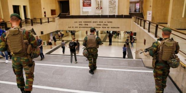 Soldados belgas desplegados esta mañana en la Estación Central de Bruselas.