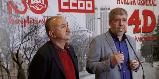 Los secretarios generales de CCOO y UGT, Unai Sordo y Pepe Álvarez, atienden a los medios en un acto.