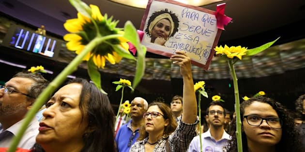 Assassinato da vereadora Marielle Franco (PSol) é ataque à democracia, alertam especialistas e politicos.
