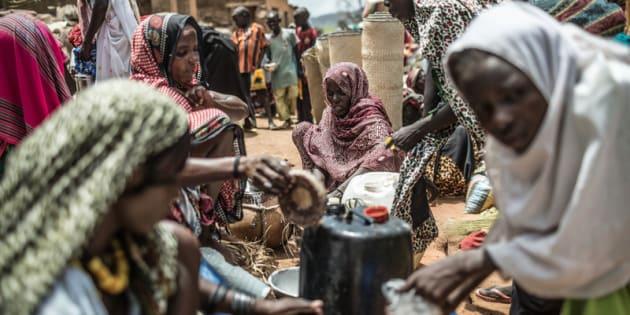 Concentrar los esfuerzos de desarrollo en África Subsahariana y el sur de Asia puede contribuir mucho a cambiar las cifras. Mercado en Mangalmé (Chad). Imagen de Pablo Tosco / Oxfam Intermón.