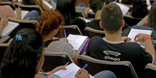 Este domingo(5) é o primeiro dia de prova do exame, e também terá provas de linguagens e ciências humanas.