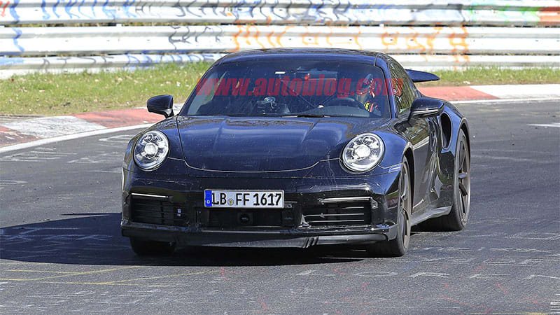 Porsche still deciding on one or two new 911 plug-in hybrids