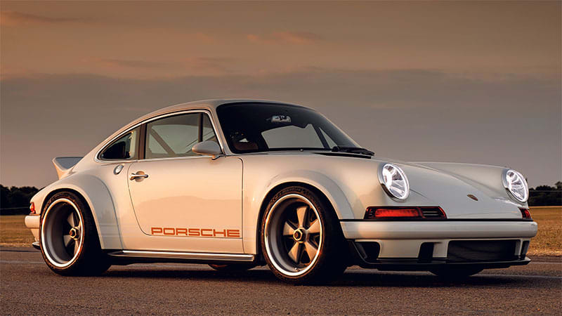 Singer and Williams create bespoke lightweight 'DLS' Porsche 911