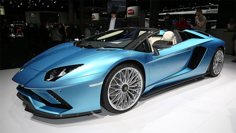 Next-gen Lamborghini Aventador to get batteries and active aero?