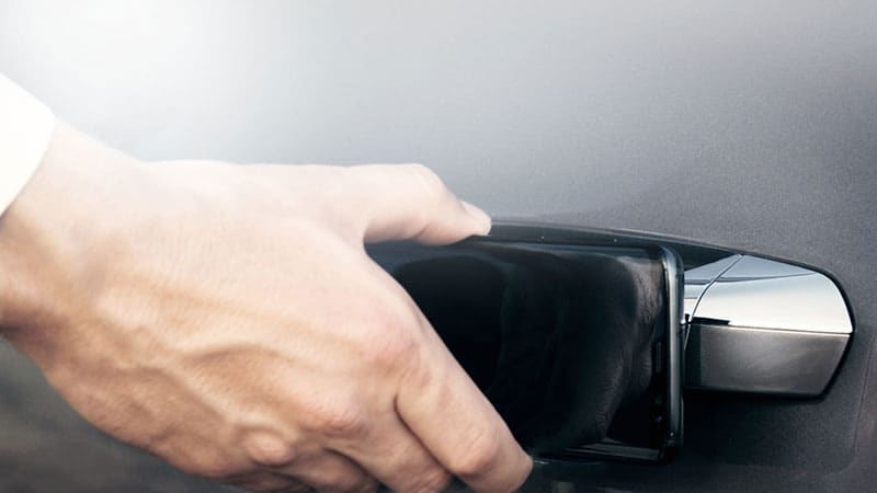 More automakers working to turn your smartphone into a shareable digital car key