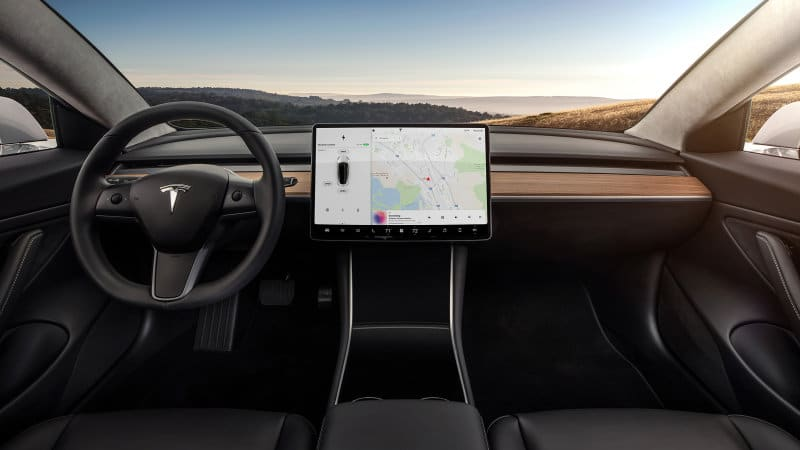 Tesla adds 'Teslatari' '80s video games to center screen