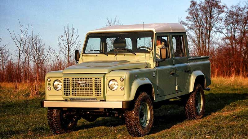 Land Serwis builds new Land Rover Series I Defenders with
