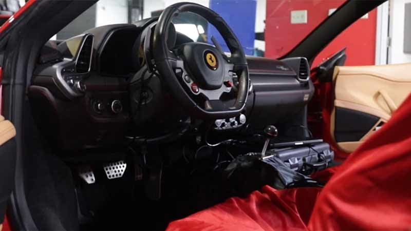 Ferrari 458 with a manual transmission: Fantasy becomes reality