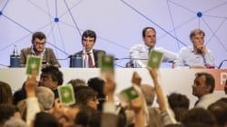 Assemblea ribelle. Passa la linea Renzi ma l'Ergife diventa una bolgia di veleni e rabbia. Alla fine l'unico accordo è